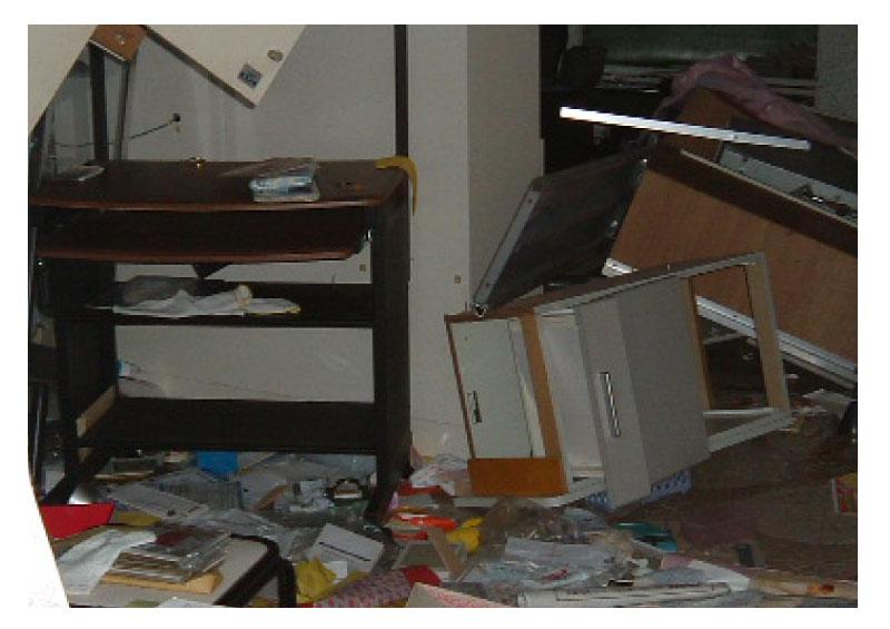 画像:2004年 新潟中越地震(地震での災害:家具の倒壊)