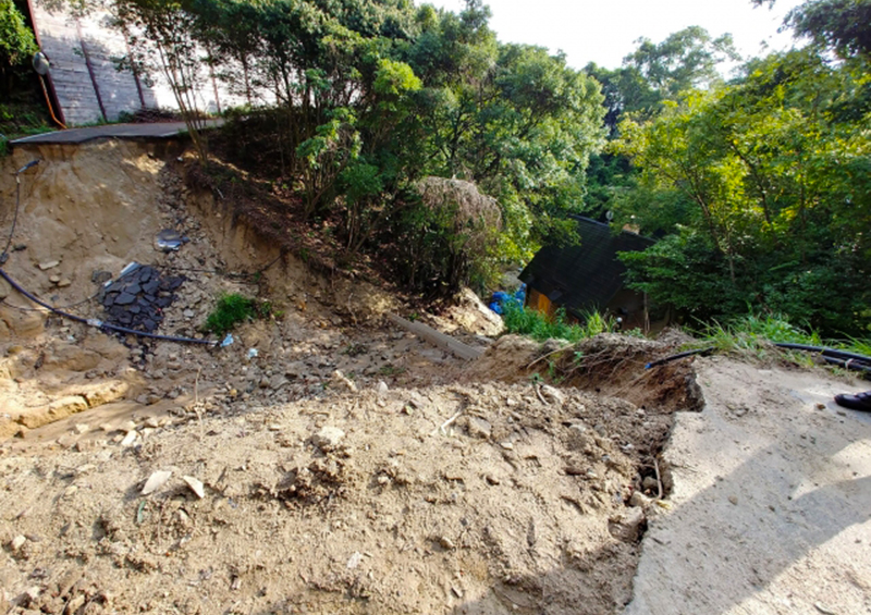 風水害 住宅 被害:2018年 西日本豪雨 広島県江田島市 土砂崩れの様子