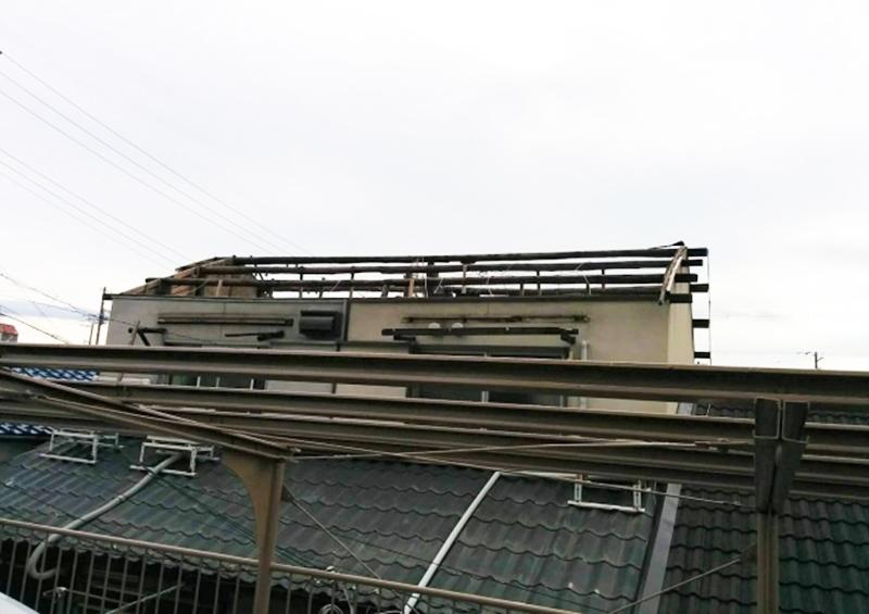 風水害 住宅 被害;台風の被害で屋根が飛ばされてしまった住宅